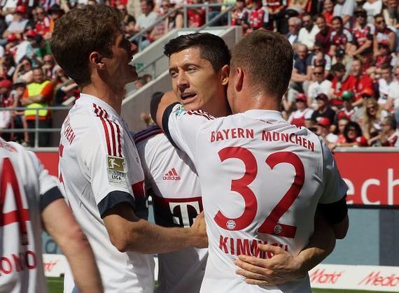 [全场集锦]德甲-首度联赛4连冠!莱万2球 拜仁2-1升班马提前1轮夺冠