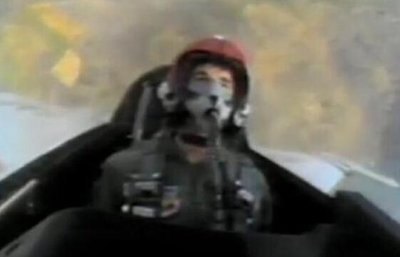 瘦小控卫竟是王牌飞行员 斯托克顿曾驾驶F16战机