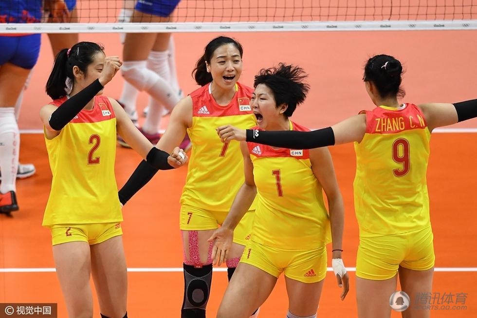 女排决赛第四局:中国25-23塞尔维亚