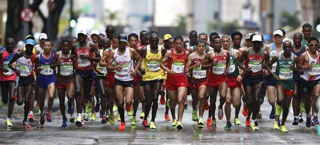 男子马拉松赛:董国建位列第29名