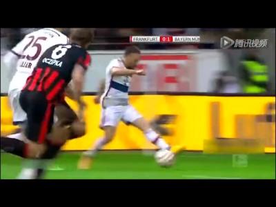 拜仁客场4-0法兰克福 穆勒上演帽子戏法