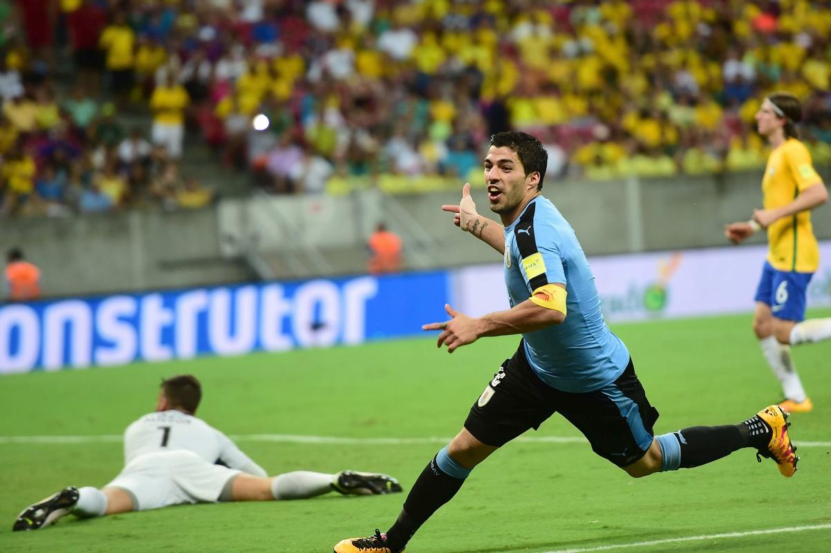 中超外援破门 巴西2-2乌拉圭