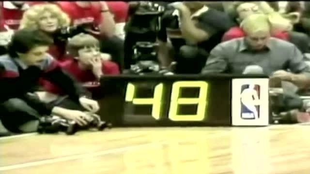 一代宗师-NBA首次胯下换手暴扣